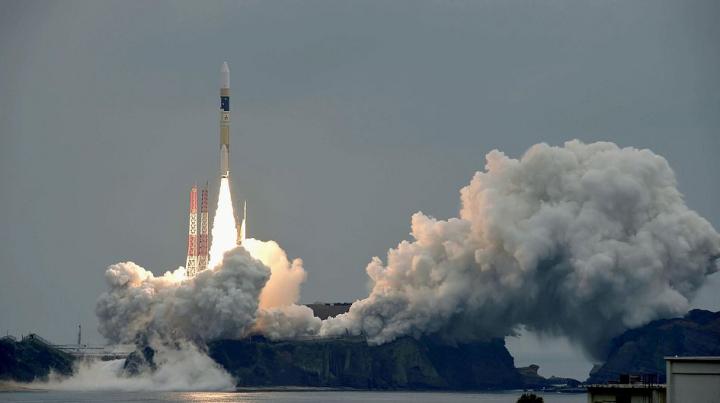 """Япония перенесла запуск спутника """"Митибики"""" из-за непогоды"""