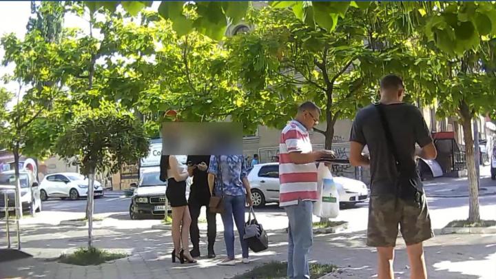 Двое граждан Молдовы отправляли девушек в Бухарест заниматься проституцией