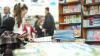Жильцы многоэтажки на Буюканах обустроили во вдоре библиотеку