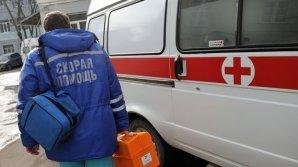 Пьяная женщина оскорбила полицейских и сломала нос врачу скорой помощи