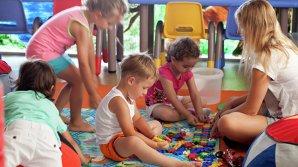 Работники детсадов будут получать надбавку к зарплате в 50%