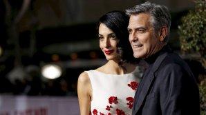 Жена Клуни поторопилась выйти на работу через три месяца после родов