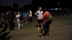 В Мексике продолжают искать пропавших во время землетрясения людей