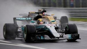 """Льюис Хэмилтон выиграл этап чемпионата мира в гонках """"Формула-1"""""""