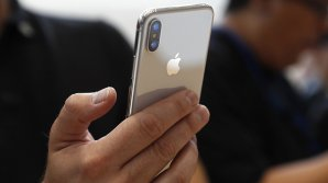 В Китае начали делать маски, защищающие владельцев iPhone X от разблокировки во сне
