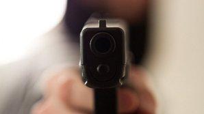 В Киеве неизвестный открыл стрельбу в лицее, ранен школьник