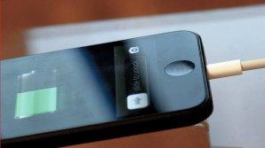 18-летняя девушка погибла на глазах у матери, коснувшись телефона на зарядке
