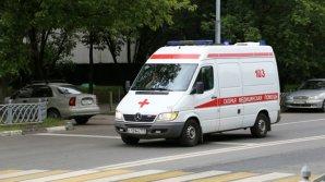 На юге Москвы женщина выпала из окна