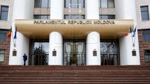 Парламент Молдовы повторно утвердил отклоненные президентом законы