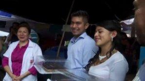 Влюблённые из Мексики поженились, несмотря на то, что остались без крова из-за землетрясения
