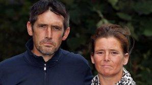 Безработная пара вырвала себе зубы, простояв несколько лет в очереди на лечение