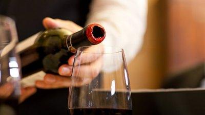 В Бельгии компания отравилась вином, в котором оказалось экстази и метадон