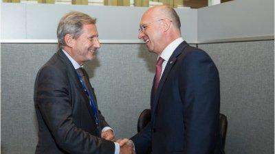 Премьер Павел Филип и Комиссар Йоханнес Хан обсудили европейскую повестку дня