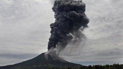На Бали объявлена высшая степень опасности из-за возможного извержения вулкана