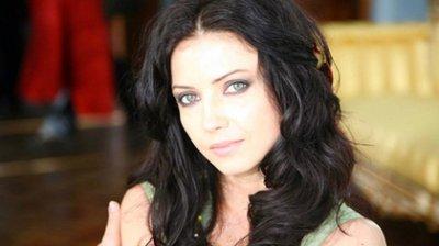 Украинскую певицу задержали в турецком аэропорту из-за внешности