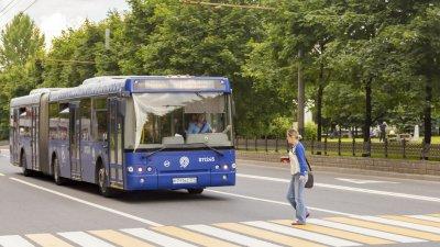 Неизвестный расстрелял пассажирский автобус в Москве
