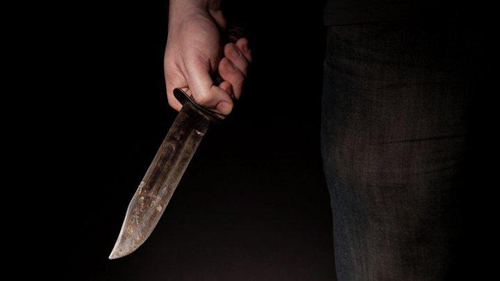 47-летний житель Флорештского района перерезал горло собственной матери