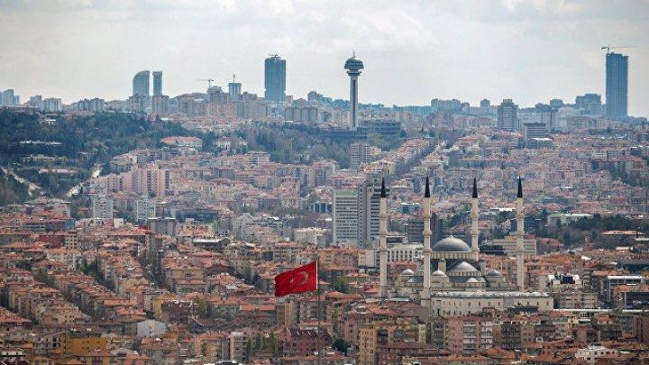В Турции продлили режим ЧП на три месяца