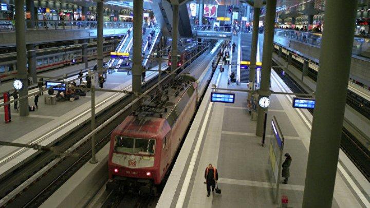 В Москве пассажирка поезда родила девочку на станции