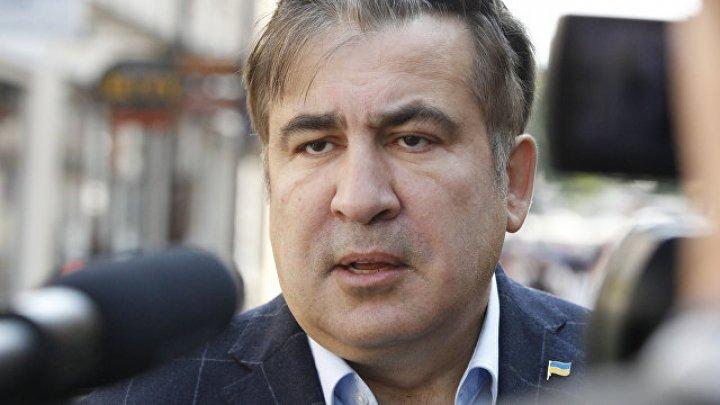 Саакашвили предложили сьесть галстук во время ток-шоу