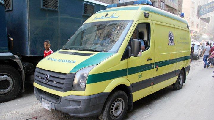 Маршрутка врезалась в грузовик на автотрассе в Египте, есть погибшие