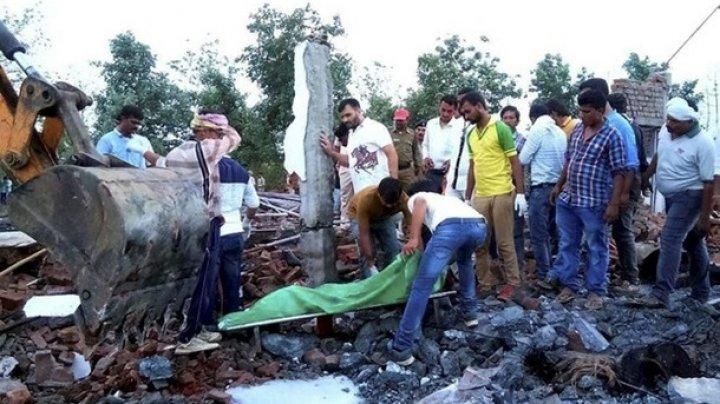 Восемь человек погибли впожаре нафабрике фейерверков вИндии