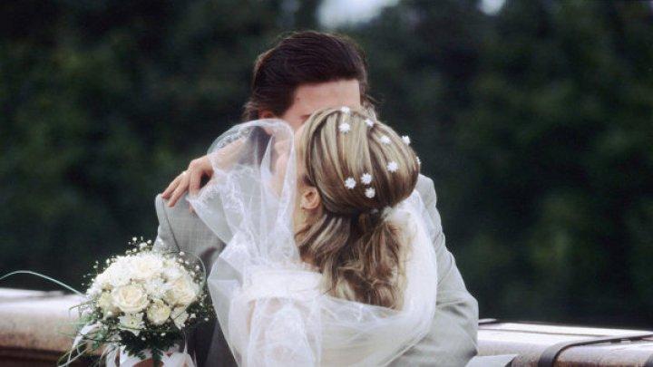 Невеста отменила роскошную свадьбу из-за страха жениха перед грозой
