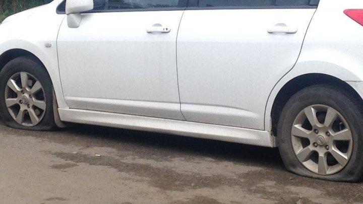 Пьяный мужчина проколол колеса 15 автомобилей