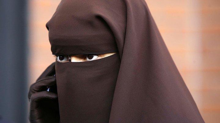 Мусульманок Австрии предупредили, что за паранджу будут штрафовать и задерживать