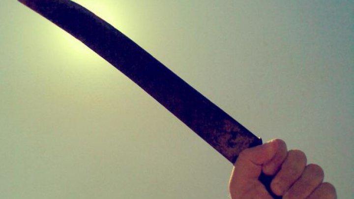 Ревнивый муж с мачете отрубил жене ногу на глазах у детей