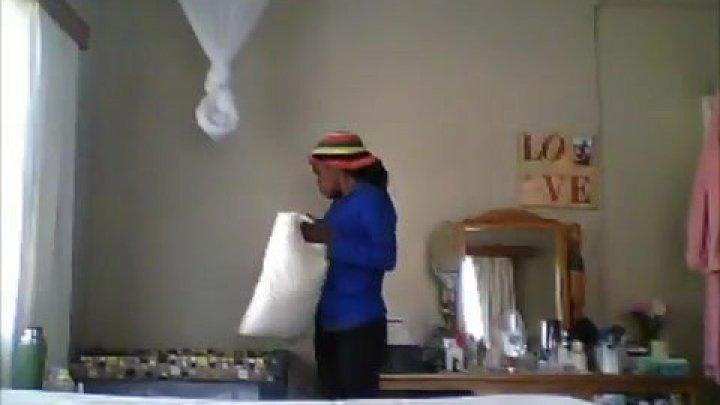 Шокирующие кадры: родители сняли на видео, как няня кидает их ребёнка