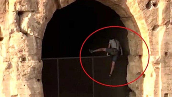 Турист из Польши незаконно пробрался в Колизей, чтобы полетать: видео