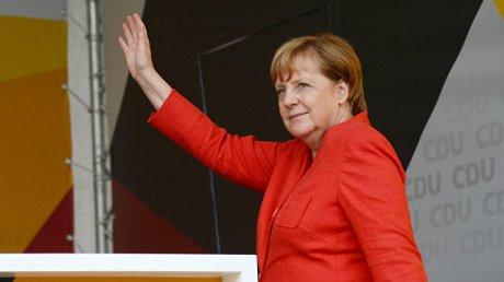 Ангела Меркель сделала вторую прививку от коронавируса другой вакциной