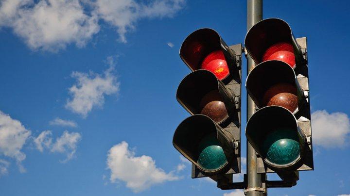 Ярославские меломаны украли светофор ради светомузыки