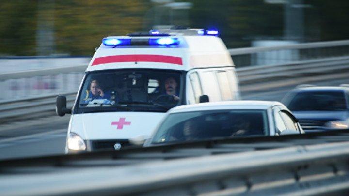 Видео: карета скорой помощи сбила ребенка в Петербурге