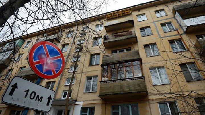 В Москве женщина, спасаясь от мужа, выпрыгнула из окна