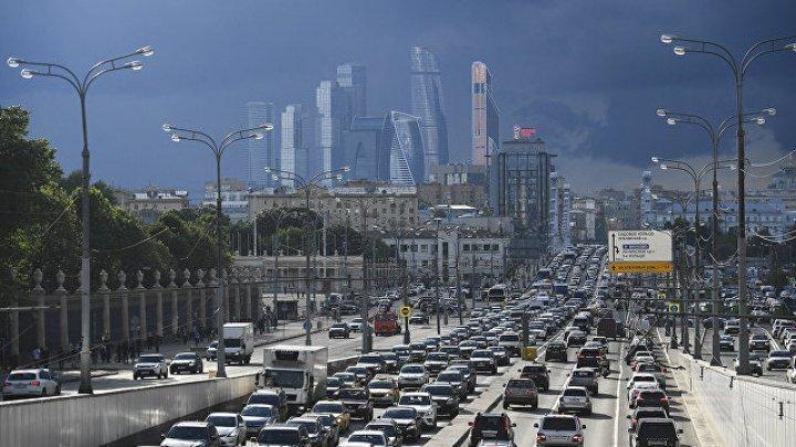 Длина пробок в Москве составила более 20 километров