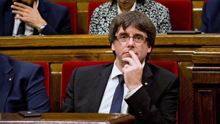 Экс-главе Каталонии грозит арест за неявку в суд