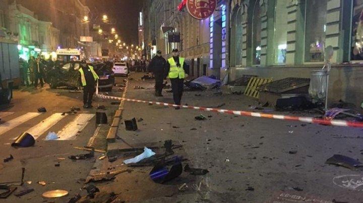 Девушка-мажор на Lexus въехала в толпу в Харькове: шесть человек погибли