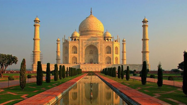 Индийский политик хочет убрать Тадж-Махал из истории страны