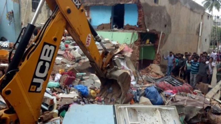 В Индии обрушилось здание, есть погибшие