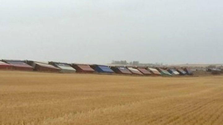 В Канаде из-за мощного ветра сошли с рельсов два поезда
