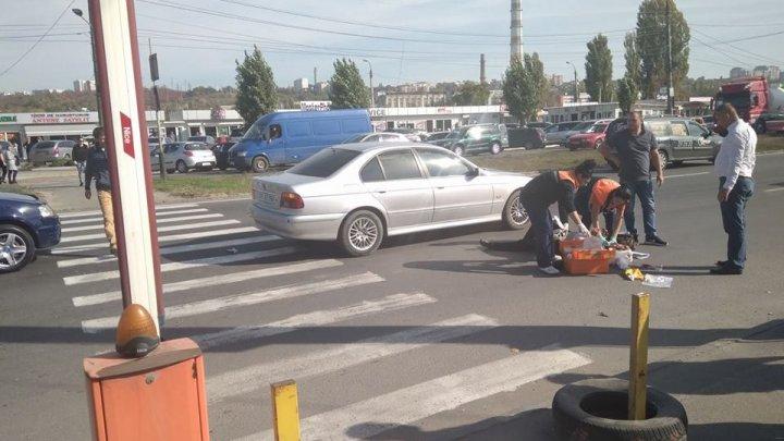 BMW cбил женщину на пешеходном переходе недалеко от Северного автовокзала