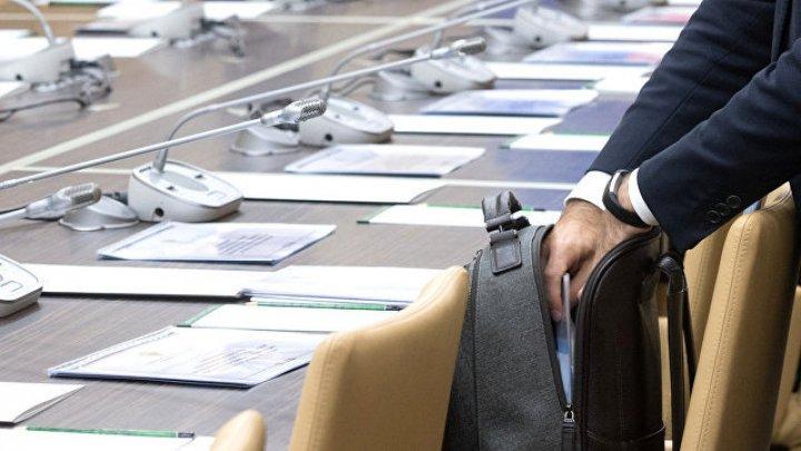 Замминистра образования Шотландии Мак Макдональд подал вотставку из-за неподобающего поведения