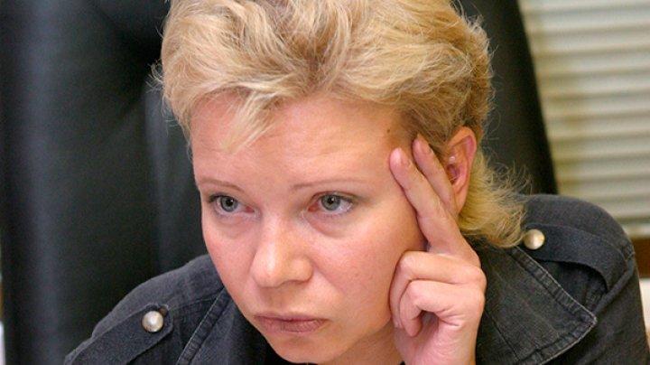"""Ведущую """"Эха Москвы"""" эвакуируют за границу из-за эфира Соловьева"""