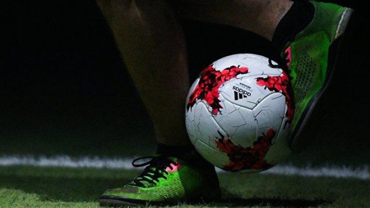 Известного футболиста обвинили в избиении бывшей девушки, сына и собаки