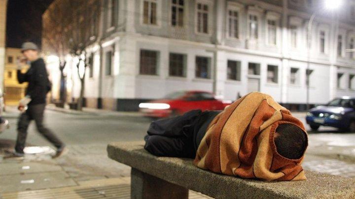 Бездомный попросил власти отправить его на день рождения в тюрьму