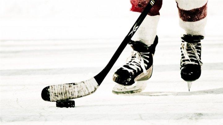 """Удар Супермена"" отправил хоккеиста в нокдаун во время матча НХЛ"
