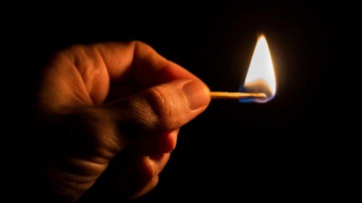Казахстанец решил проверить газовый баллон спичкой и подорвался