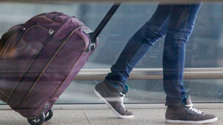 Вор прятался в чемодане, чтобы грабить пассажиров автобуса